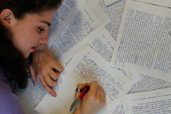 É fundamental estudar e estar bem preparado para Redação ENEM (Foto: Divulgação)